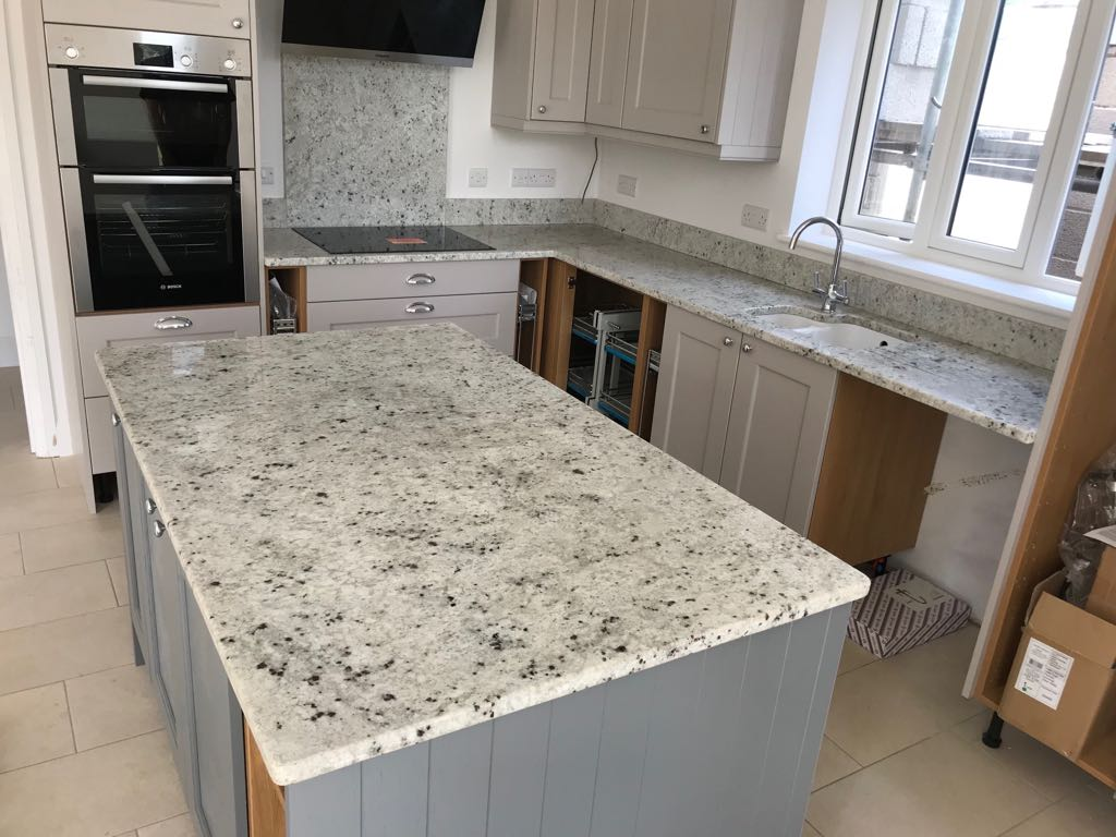 Colonial White Worktops For Kitchens Amp Counters 166 Purple
